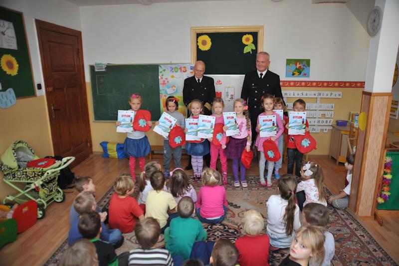 Dzieci z usteckiego przedszkola nagrodzone w konkursie plastycznym fot. H. Bierndgarski