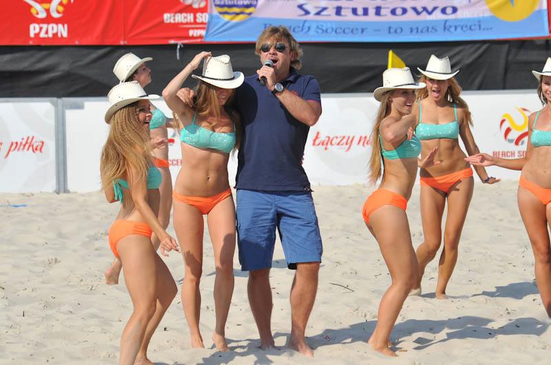 Mecz gwiazd w czasie finałów beach soccera w Ustce - ustka24.info