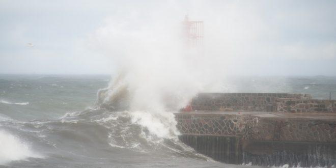 Ostrzeżenie przed silnym wiatrem. Sztorm na Bałtyku