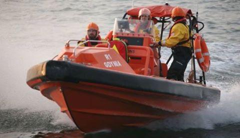 Ratownicy morscy z Ustki pomogli kitesurferowi - ustka24.info