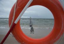 Tragedia na plaży wschodniej w Ustce. Fale porwały młodego mężczyznę - ustka24.info