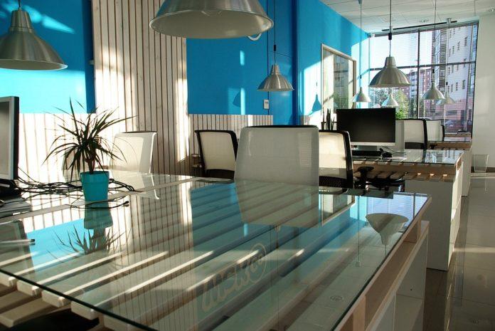 Jak porządek w biurze wpływa na wydajność i zdrowie pracowników - ustka24.info