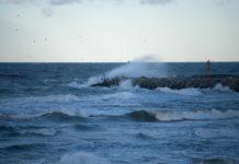 Nadchodzi niż Fabian. Będzie padać deszcz ze śniegiem. Na Bałtyku sztorm - ustka24info