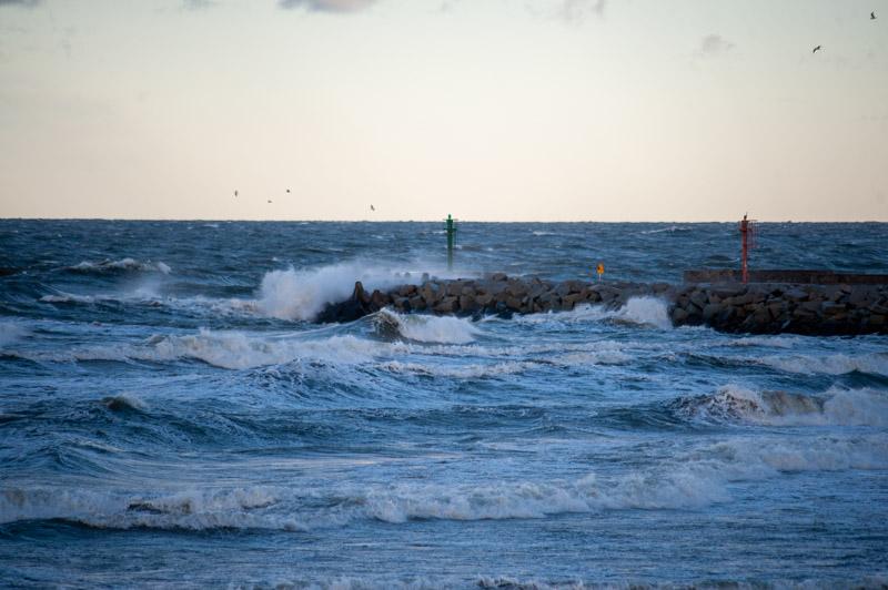 IMGW ostrzega przed silnym wiatrem i sztormem na Bałtyku - ustka24.info